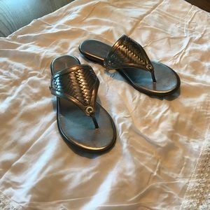 Banana republic flat thong sandals size 5M